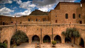 deyrulzafaran_monastery_by_drcivan-1